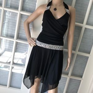 A. Buyer Adorable blk sequined flapper style dress